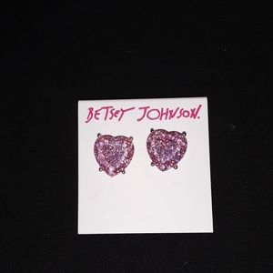 Betsey Johnson HEART STUD EARRINGS